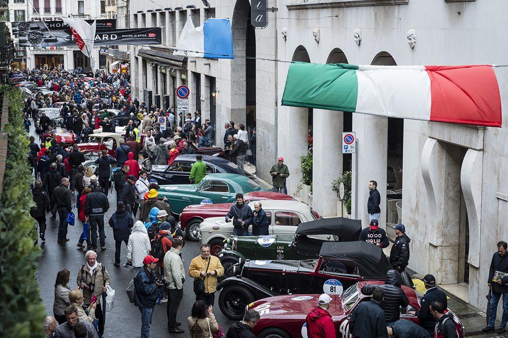 Vạn dặm ganh đua và ba thập niên bền bỉ: Chopard, Brescia và Mille Miglia 1