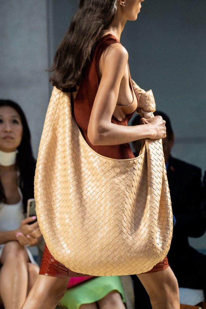 Bottega Veneta thắng lớn trên sân chơi thời trang đường phố 3