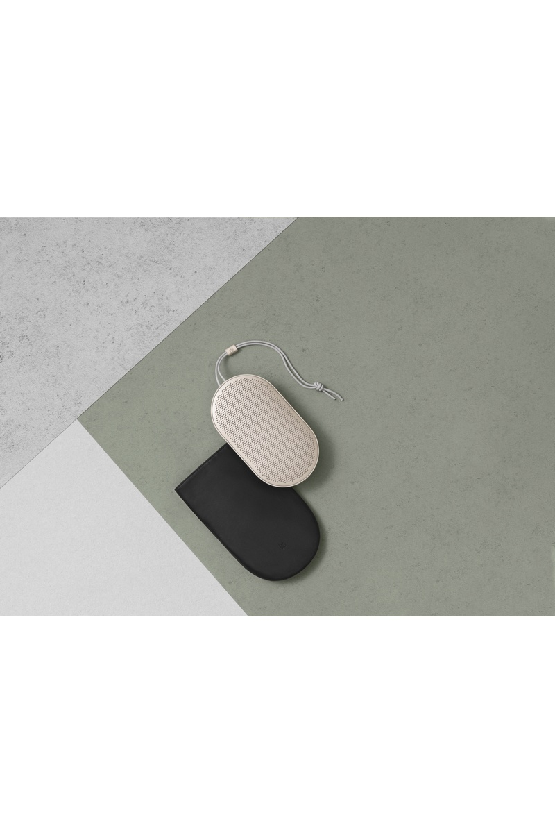 Beoplay P2 Sand Stone 5