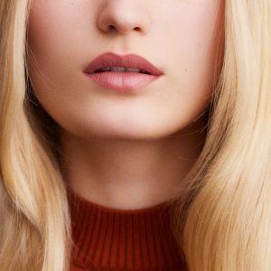 rouge-hermes-matte-lipstick-beige-naturel--60001MV011-worn-8-0-0-1700-1700-q99_b
