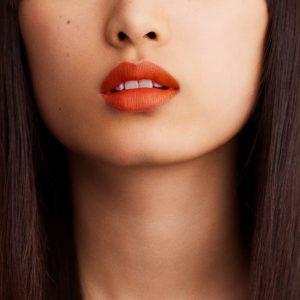 rouge-hermes-matte-lipstick-orange-boite--60001MV033-worn-6-0-0-1700-1700-q99_b