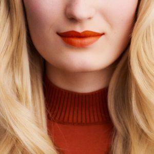rouge-hermes-matte-lipstick-orange-boite--60001MV033-worn-8-0-0-1700-1700-q99_b