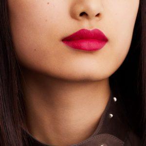 rouge-hermes-matte-lipstick-rose-indien--60001MV070-worn-10-0-0-1700-1700-q99_b