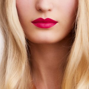 rouge-hermes-matte-lipstick-rose-indien--60001MV070-worn-8-0-0-1700-1700-q99_b