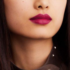 rouge-hermes-matte-lipstick-rose-velours--60001MV078-worn-6-0-0-1700-1700-q99_b