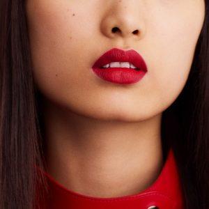 rouge-hermes-matte-lipstick-rouge-bleu--60001MV068-worn-8-0-0-1700-1700-q99_b
