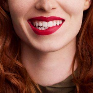 rouge-hermes-matte-lipstick-rouge-bleu--60001MV068-worn-9-0-0-1700-1700-q99_b