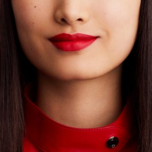 rouge-hermes-matte-lipstick-rouge-casaque--60001MV064-worn-10-0-0-1700-1700-q99_b