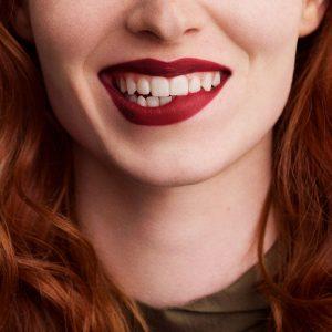 rouge-hermes-matte-lipstick-rouge-h--60001MV085-worn-9-0-0-1700-1700-q99_b