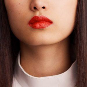 rouge-hermes-matte-lipstick-rouge-orange--60001MV053-worn-8-0-0-1700-1700-q99_b