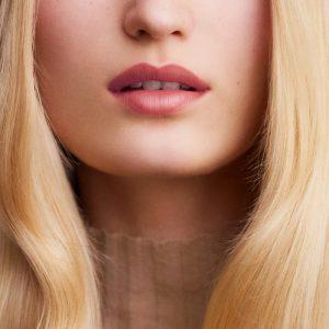 rouge-hermes-satin-lipstick-beige-kalahari--60001SV013-worn-5-0-0-1100-1100_b (Copy)