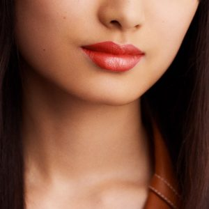 rouge-hermes-satin-lipstick-corail-flamingo--60001SV036-worn-8-0-0-1700-1700-q99_b
