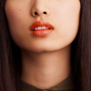 rouge-hermes-satin-lipstick-orange-boite--60001SV033-worn-6-0-0-1700-1700-q99_b
