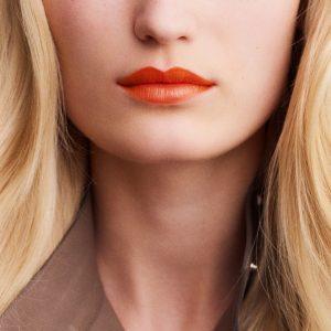 rouge-hermes-satin-lipstick-orange-boite--60001SV033-worn-7-0-0-1700-1700-q99_b
