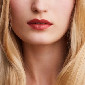 rouge-hermes-satin-lipstick-rose-epice--60001SV021-worn-5-0-0-1700-1700-q99_b (Copy)