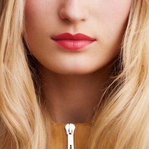 rouge-hermes-satin-lipstick-rose-lipstick--60001SV040-worn-8-0-0-1700-1700-q99_b