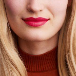 rouge-hermes-satin-lipstick-rose-mexique--60001SV042-worn-9-0-0-1700-1700-q99_b