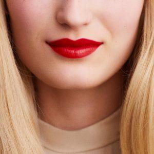 rouge-hermes-satin-lipstick-rouge-casaque--60001SV064-worn-8-0-0-1700-1700-q99_b
