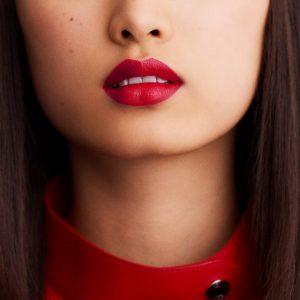 rouge-hermes-satin-lipstick-rouge-piment--60001SV066-worn-7-0-0-1700-1700-q99_b